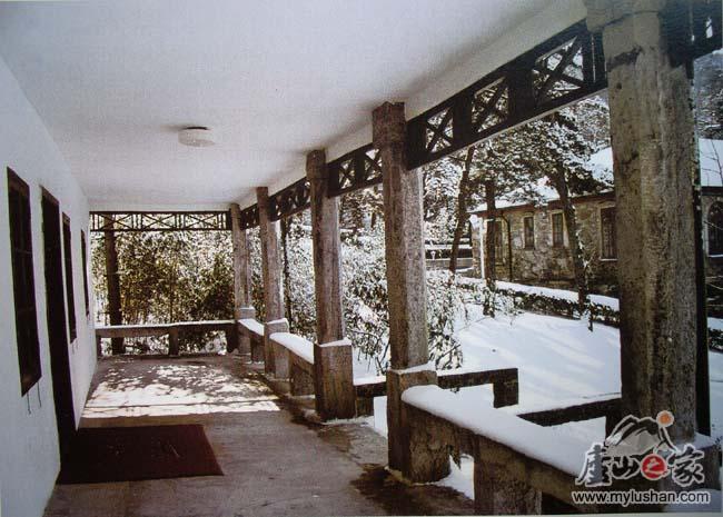 欧式石头别墅楼梯图片
